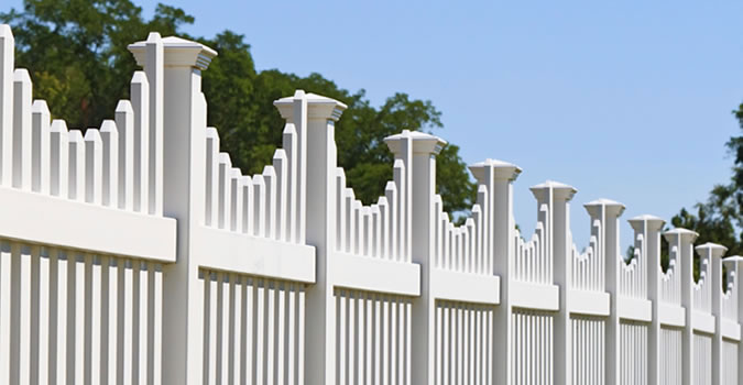 Fence Painting in Nashville Exterior Painting in Nashville